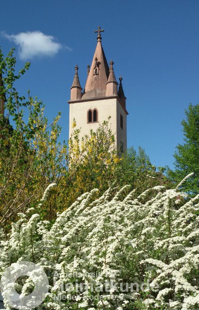 Der Kirchturm der Nieder-Röder Sankt Matthias Kirche - © AKHNR/EG
